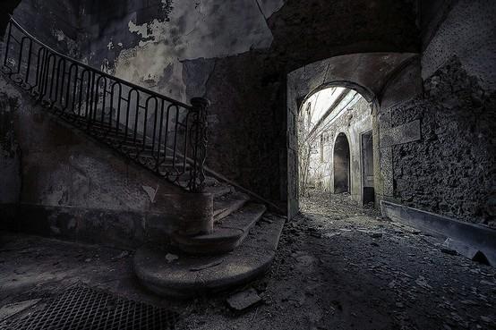 Creepy-old-house
